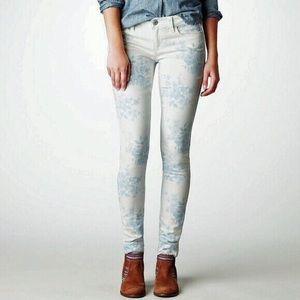 American Eagle Outfitters Lightwash Floral Jeans